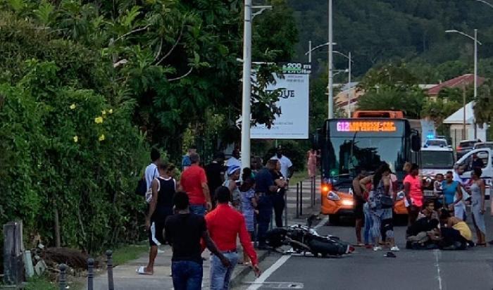 Accident et embouteillages sur la route du Gosier