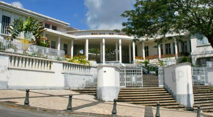 Agression au couteau au tribunal de Basse-Terre