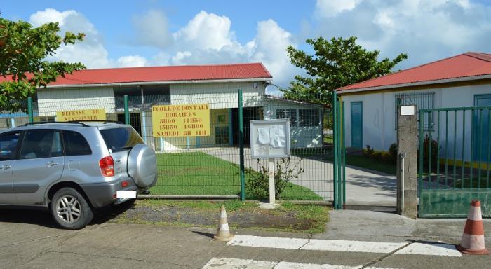 Algues sargasses : déménagement de l'école de Dostaly vers l'école de Bois Soldat