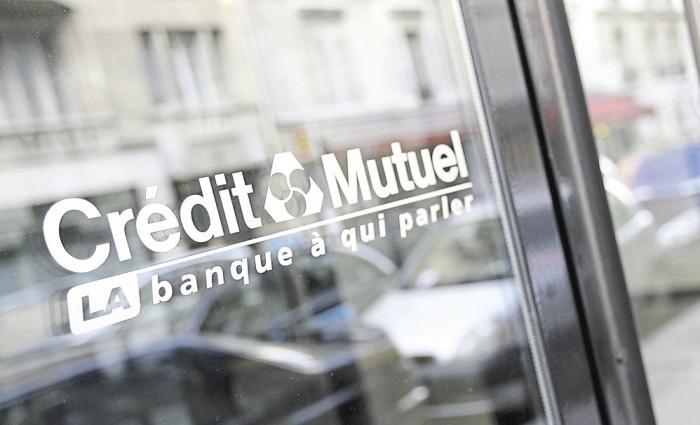 Algues sargasses : le Crédit Mutuel du Robert rapatrie ses salariés vers l'agence du Lamentin