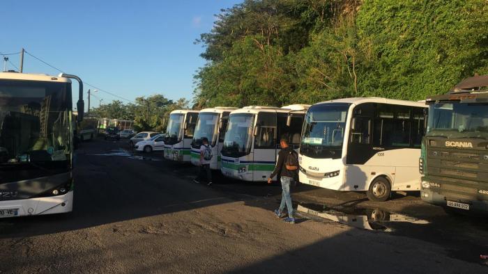 Aucun bus ne sort du dépôt des Almadies et les BHNS sont toujours à l'arrêt