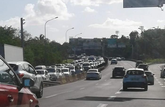 Barrages routiers : le préfet durcit le ton