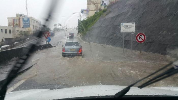 Brusque montée des eaux à Fort-de-France