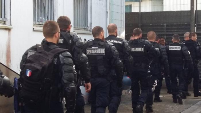 Cent vingt armes artisanales, des mobiles et de la drogue saisis au centre pénitentiaire de Baie-Mahault