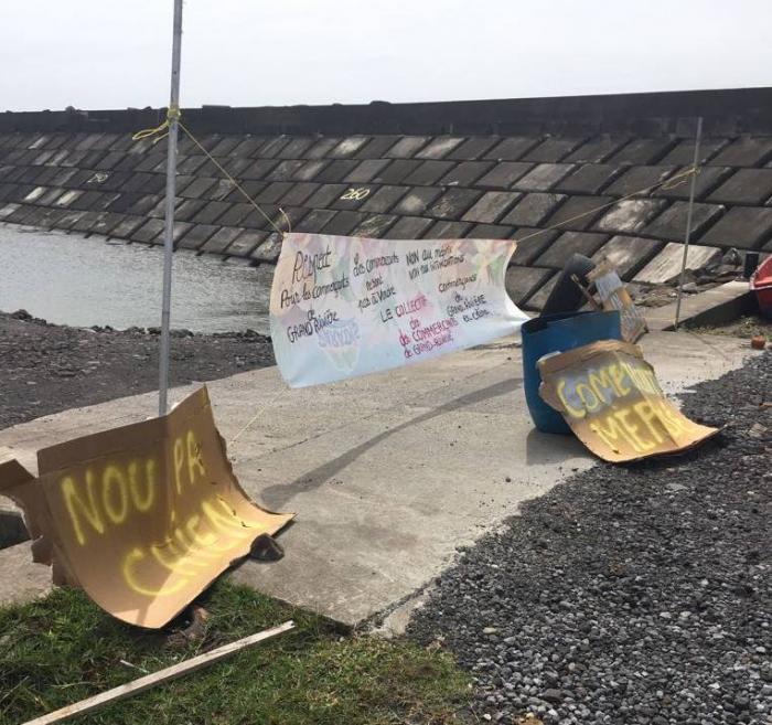 Chantier de construction d'éoliennes : le ton est monté à Grand-Rivière