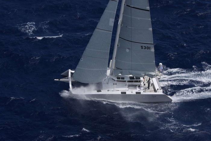 Chavirement d'un voilier. 8 personnes sauvées en mer