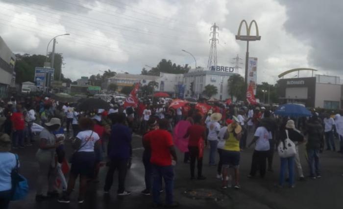 Conflit Milénis : la circulation au niveau du carrefour de Morne Vergain bloquée