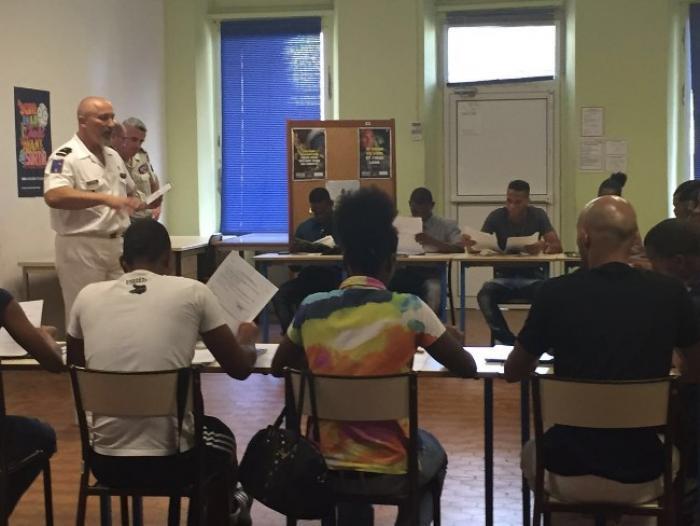Contrat de pré-engagement dans l'Armée de Terre signé pour 14 jeunes martiniquais