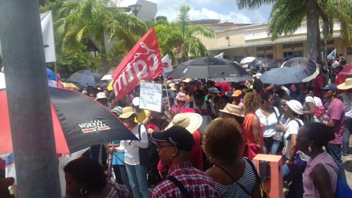 Contrats aidés : les maires solidaires du mouvement, des perturbations à prévoir lundi