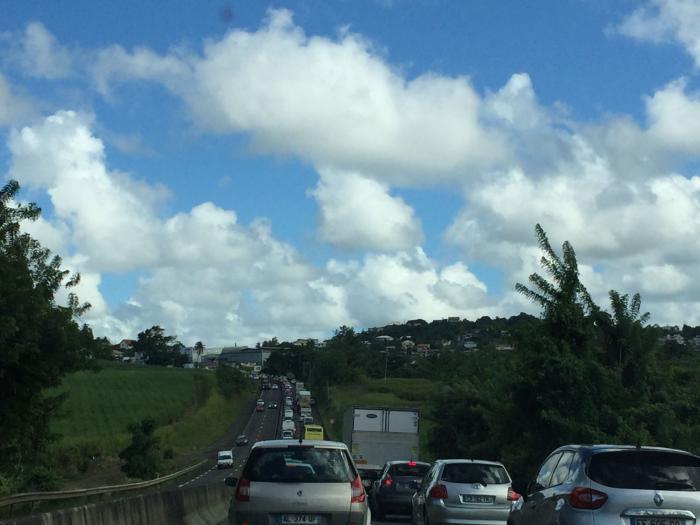 D'importants embouteillages sur les routes de Martinique ce mardi matin