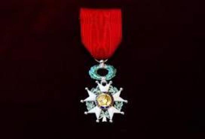 Dans la promotion de Pâques, Patricia Girard, chevalier de la Légion d'honneur