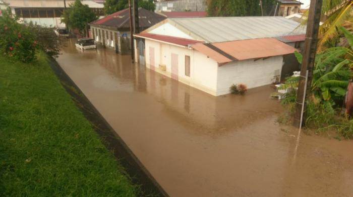 De fortes pluies causent des montées des eaux à Saint-Pierre
