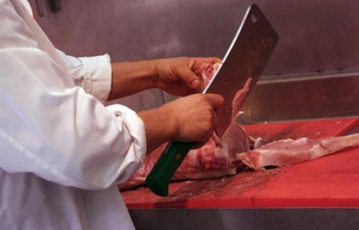 De la viande avariée chez le boucher