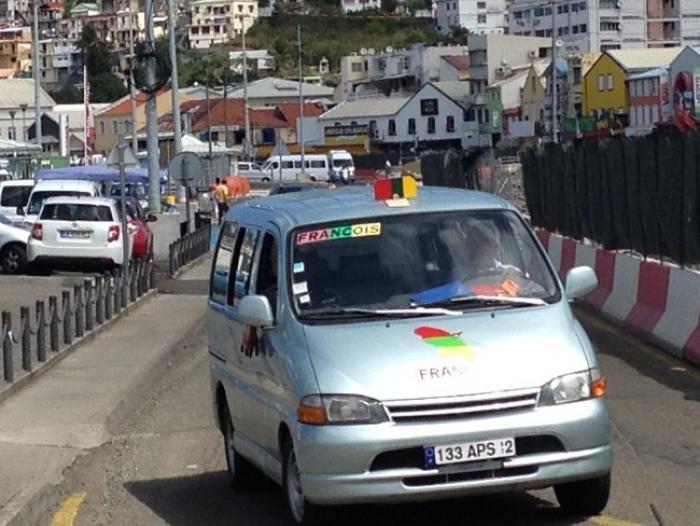 De nouvelles négociations entre les  chauffeurs de taxicos et le Conseil Général.