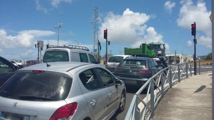 Des embouteillages plus importants depuis la mise en service des feux du pont de la Lézarde ?