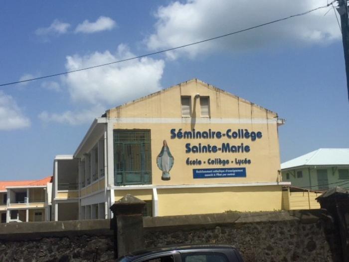 Des enseignantes en grève au Séminaire - Collège !