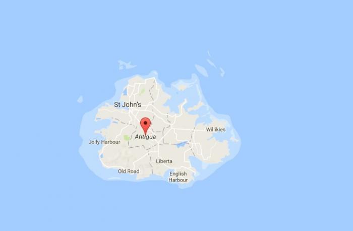 """""""Des heures passées dans la tourmente, mais nous avons survécu"""" témoigne le directeur du port Darwin Telemaque à Antigua"""
