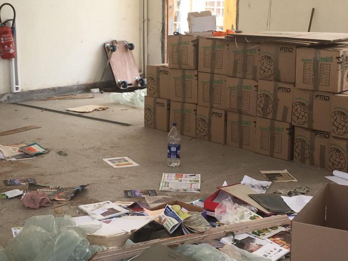 Des livres et des documents menacés par la destruction du lycée Schoelcher