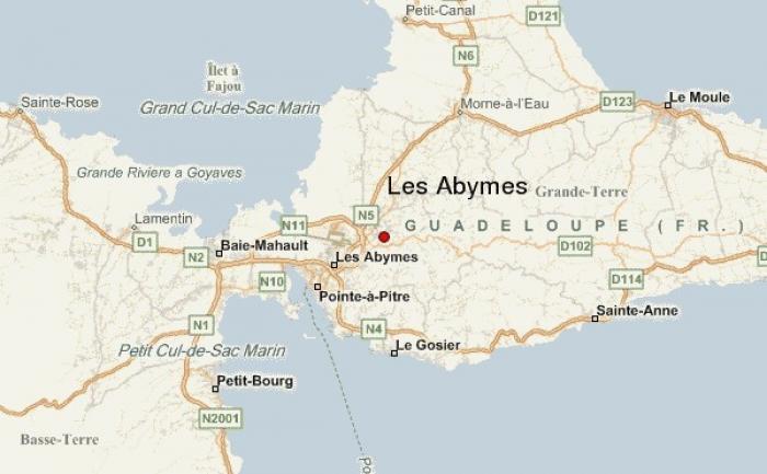 Des lycéens attaqués par deux individus aux Abymes
