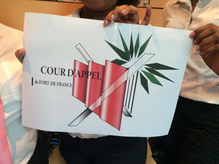 Des élèves de BTS dessinent le nouveau logo de la cour d'appel