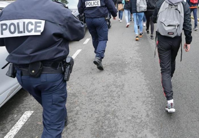 Des policiers pris à partie au lycée de Capesterre-Belle-Eau