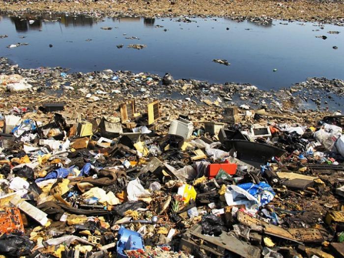 Des vagues de déchets s'écrasent en République Dominicaine