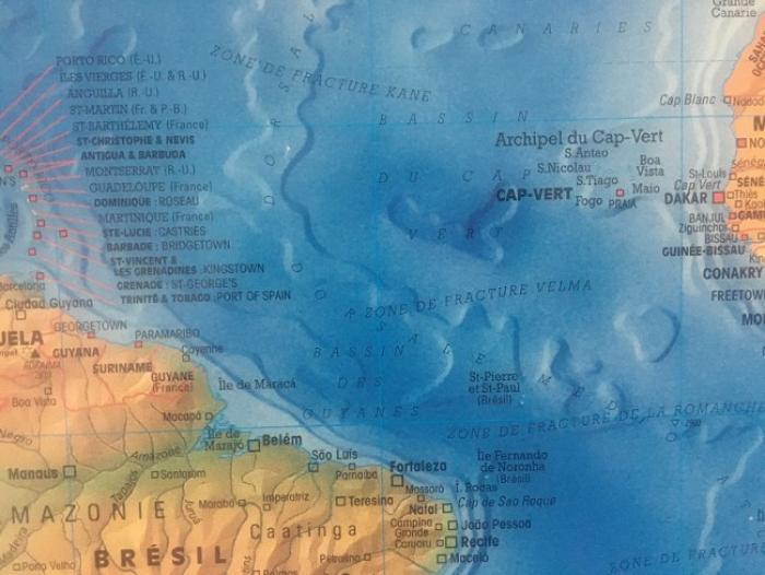 Deux occupants d'un voilier en difficulté tentent d'arriver en Martinique avec l'aide du CROSSAG
