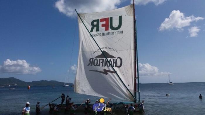 Deuxième victoire pour la yole UFR/Chanflor aux Anses-d'Arlet