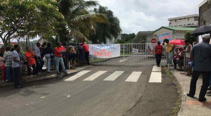 Dixième jour de grève à l'hôpital de Trinité