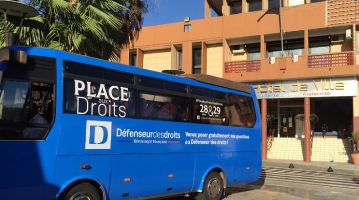 Défenseur des droits: un bus accessible pendant 2 jours