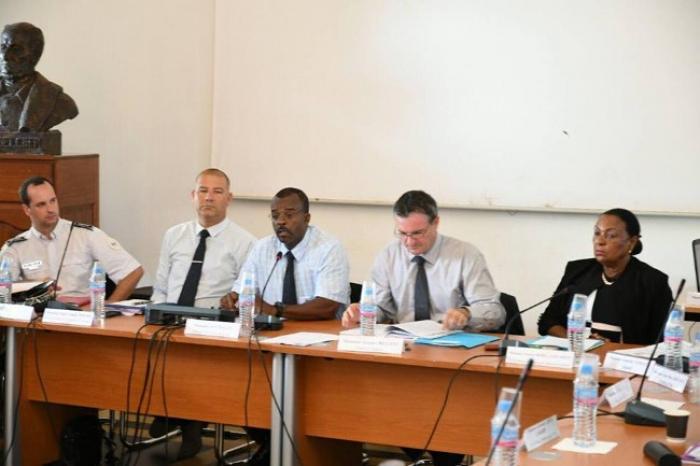 Délinquance : les élus guadeloupéens et le préfet autour de la table