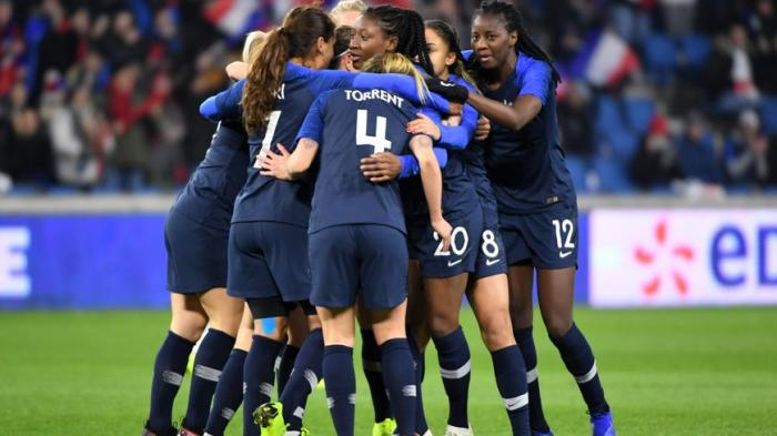 Du football féminin à l'école dans le sud Basse-Terre