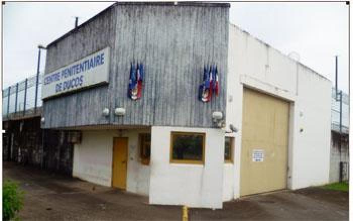 Ducos : le personnel médico-psychologique mobilisé devant la prison