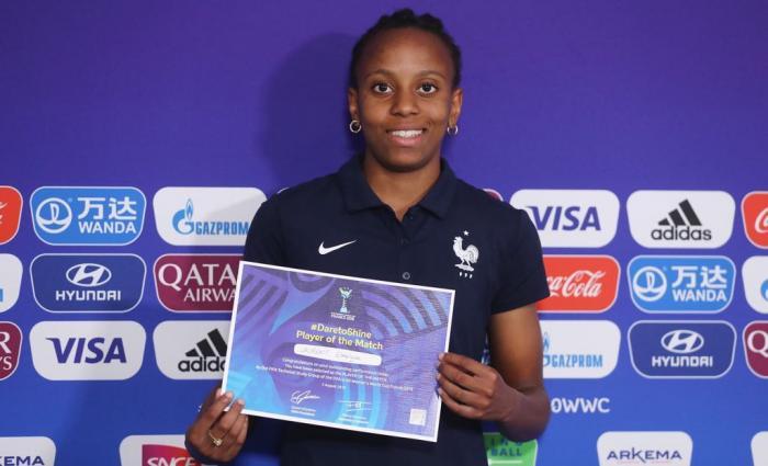 Emeline Laurent, titulaire en équipe de France des moins de 20 ans