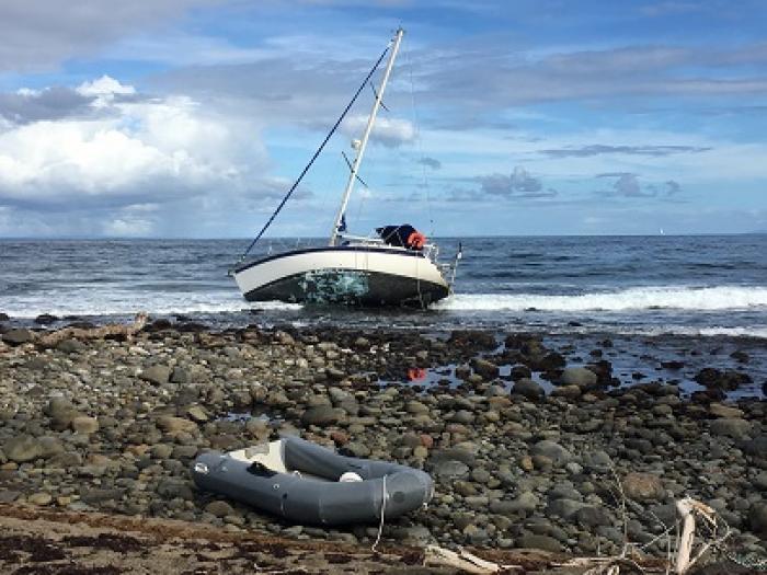 Enquête et solidarité après un naufrage à Capesterre-Belle-Eau