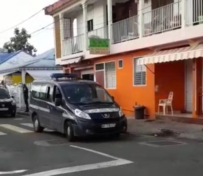 EXCLU : un gendarme de Baie-Mahault séquestré et accusé de racket par une commerçante
