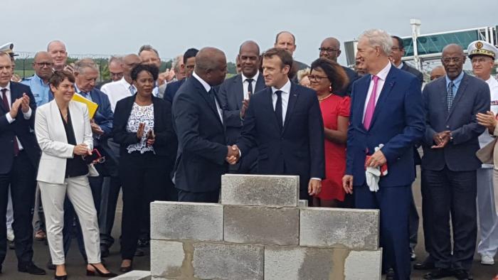Extension aéroport Aimé Césaire : pose de la première pierre d'Emmanuel Macron