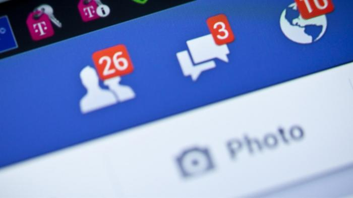 Facebook enregistre vos appels et SMS sans vous alerter