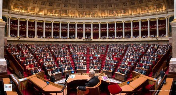 Fin de vie : l'Assemblée adopte une nouvelle proposition de loi
