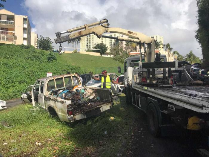 Fort-de-France intensifie sa lutte contre la prolifération des véhicules hors d'usage