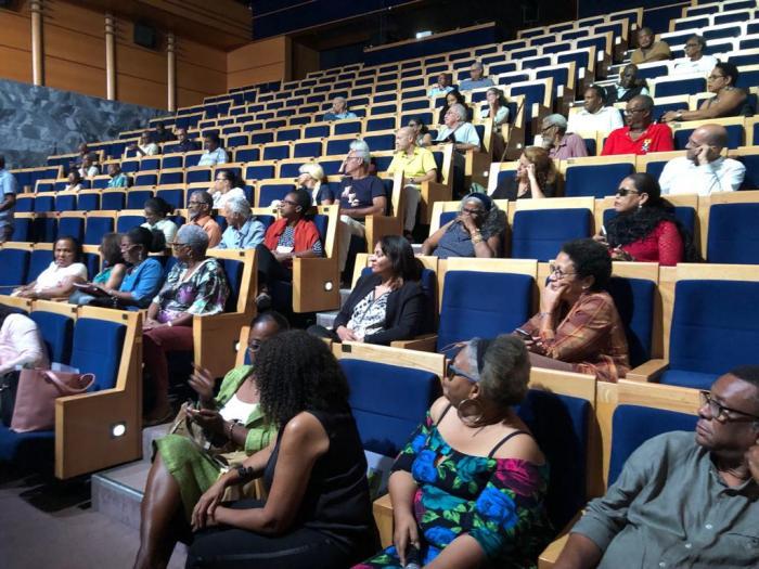 Grand Débat National : une cinquantaine de personnes à Tropiques Atrium