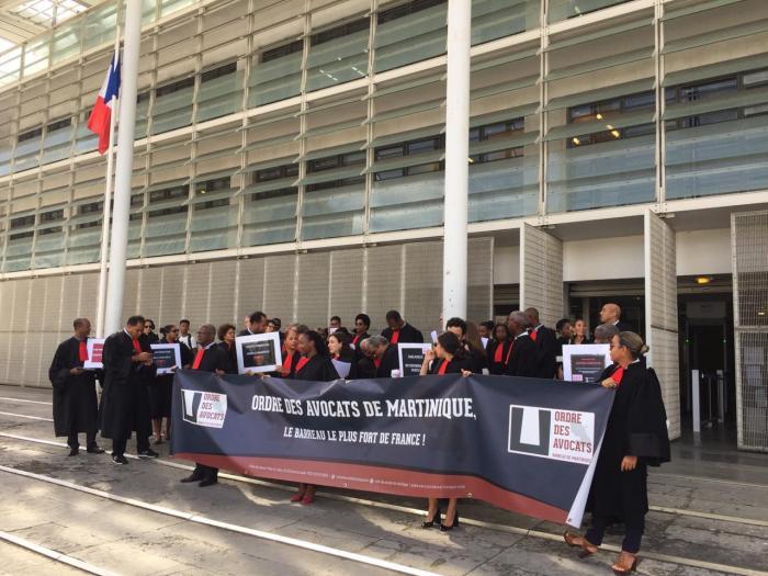 Grève des avocats : mobilisation jusqu'au vote de la loi