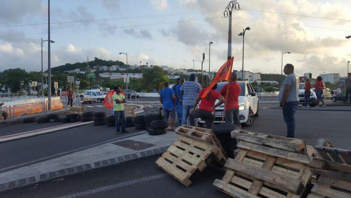 Grève : la CSTM bloque plusieurs zones industrielles et commerciales