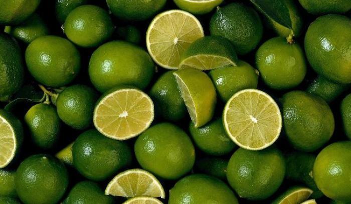 Il vole 25 kilos de citrons verts!