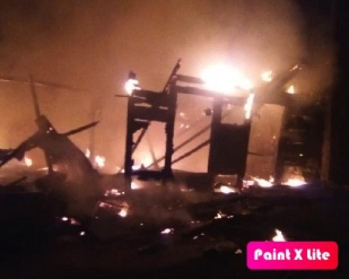 Important incendie en cours à Basse-Terre
