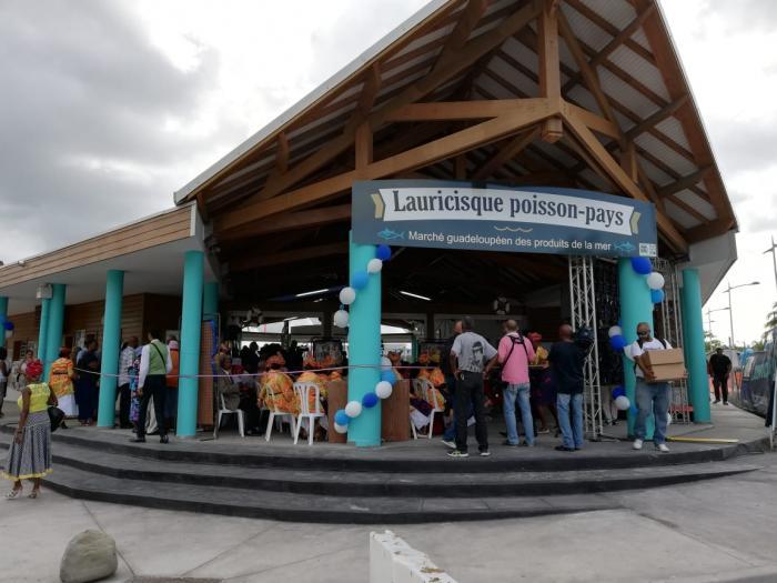 Inauguration du port de pêche de Lauricisque