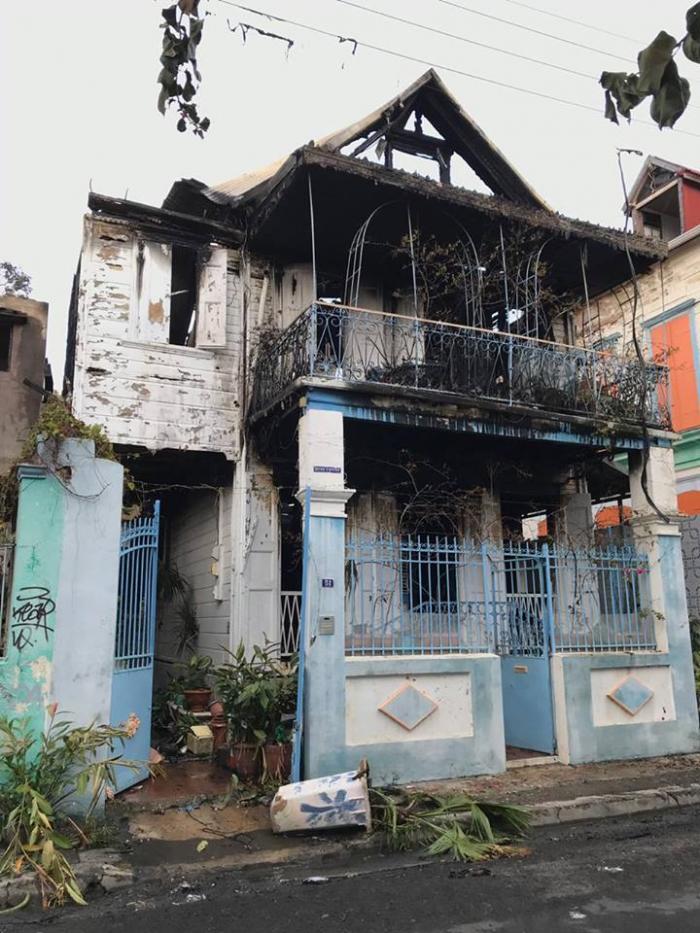 """Incendie de la Maison Forier: """"Un pan du patrimoine pointois part en fumée"""""""