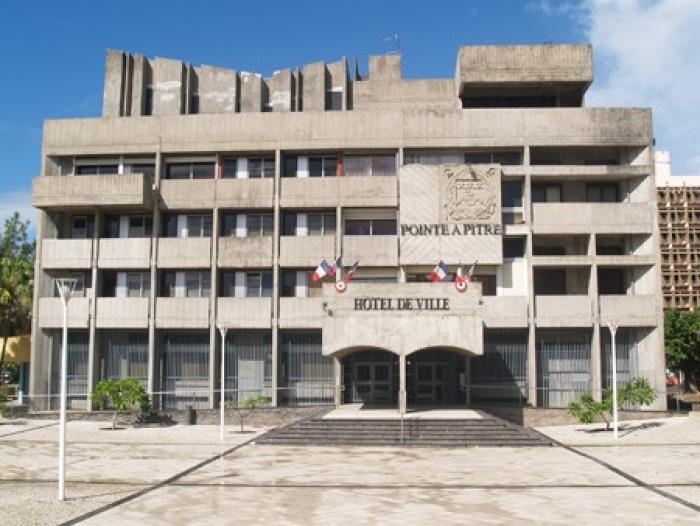 Incendie à Pointe-à-Pitre : la municipalité fait un point sur le relogement