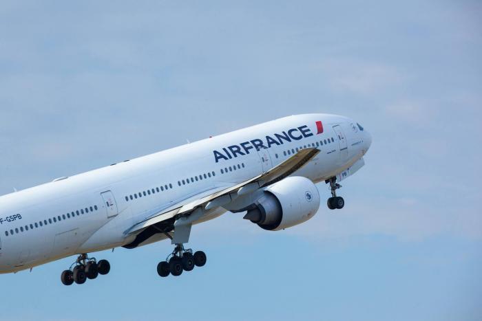 Isaac : Air France informe sur ses vols