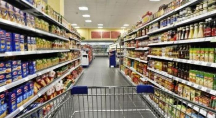 ISAAC : les hypermarchés pris d'assaut par la population